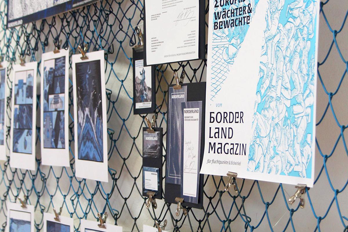 Verschiedene Ausdrucke des Abschlussprojektes an der Wand