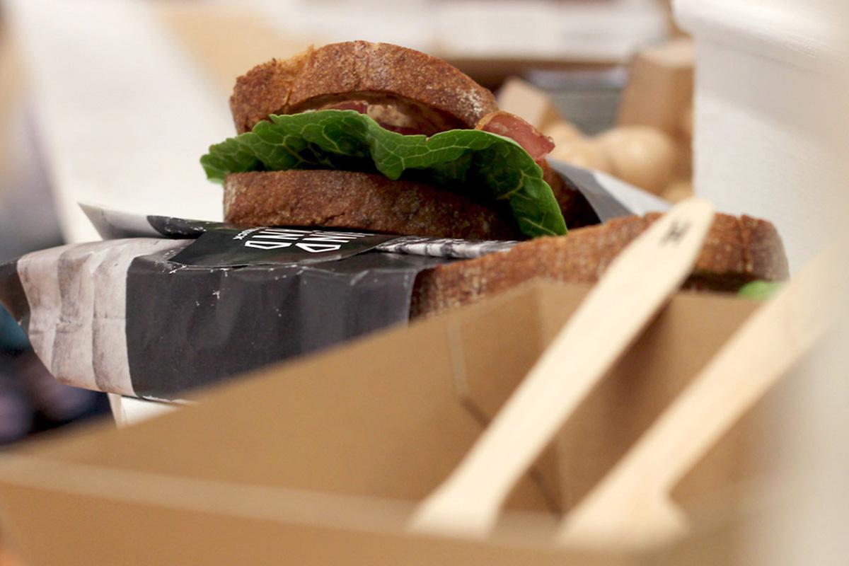 Verpackung für das Essen des Foodtrucks